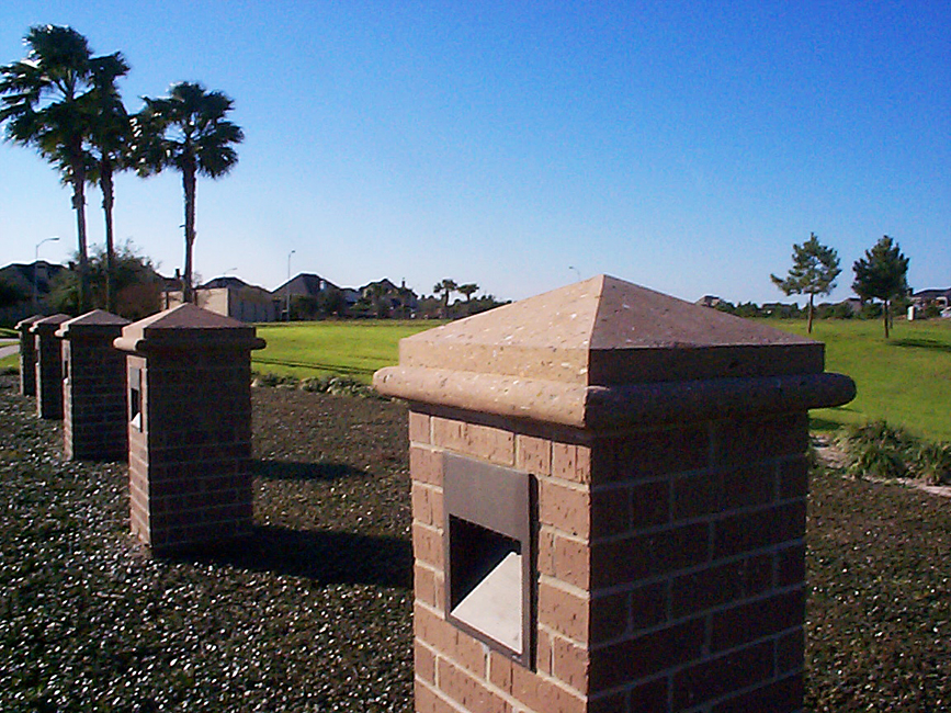 Cantera Stoneworks pier caps web banner with image of 5 cantera stone pier caps.