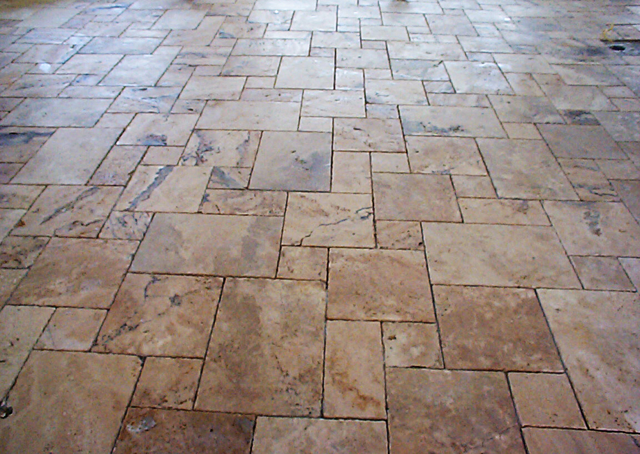 Cantera Stoneworks tile web banner with image of cantera stone tile.